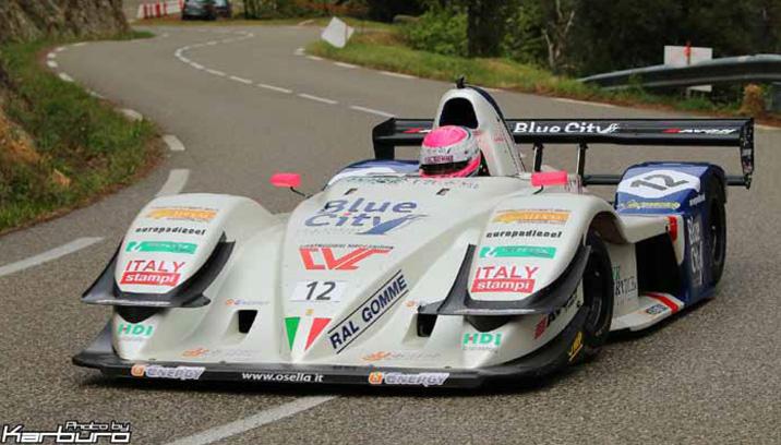 Esordio complesso per la Osella FA30 Evo di Christian Merli in Francia che vince la classe monoposto e chiude secondo assoluto!