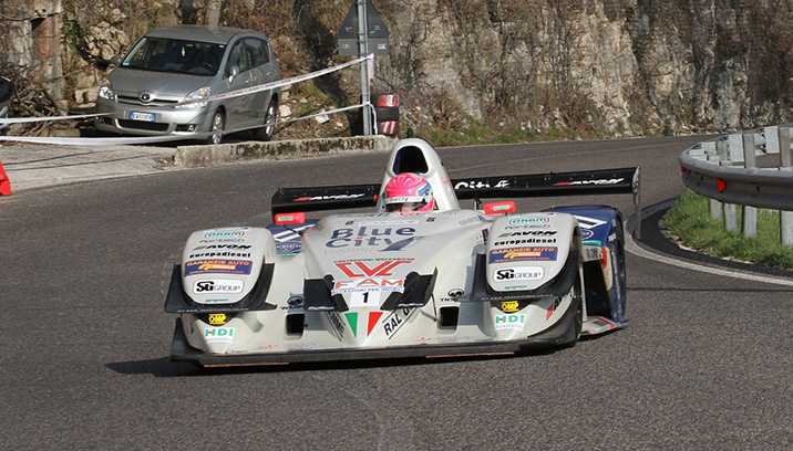 Christian MERLI dominates the climb in the cost
